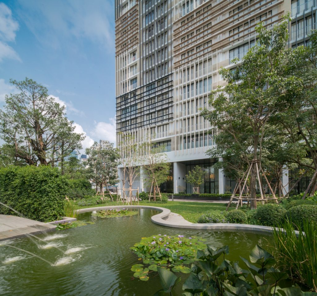Park 24, Luxury Condo amidst a 10-rai Green Oasis
