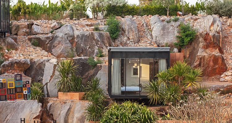 Exterior Design: Phing Pha Hin Villa (Cr. Photo by govivigo.com)