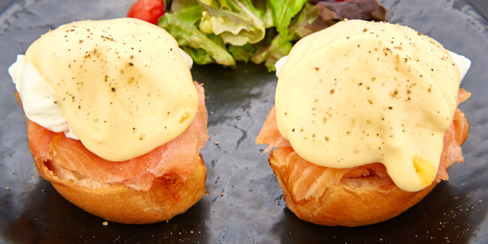 Salmon Eggs Benedict (Cr. Photo by Chope.co)