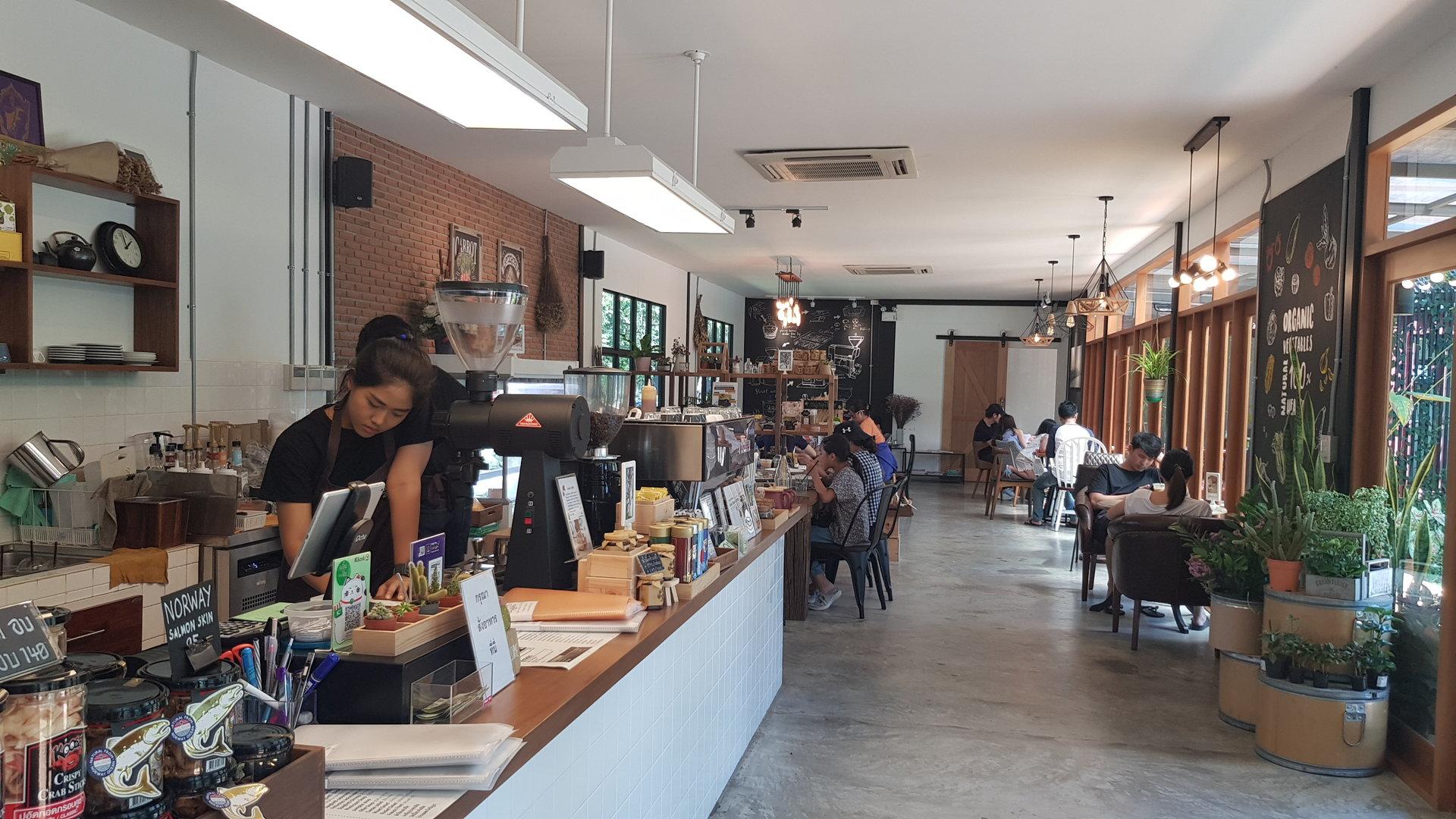 """บรรยากาศภายในร้าน """"Buna Organic Coffee"""""""