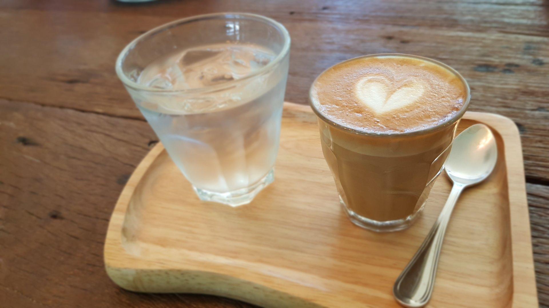 Piccolo Late @ Buna Organic Coffee
