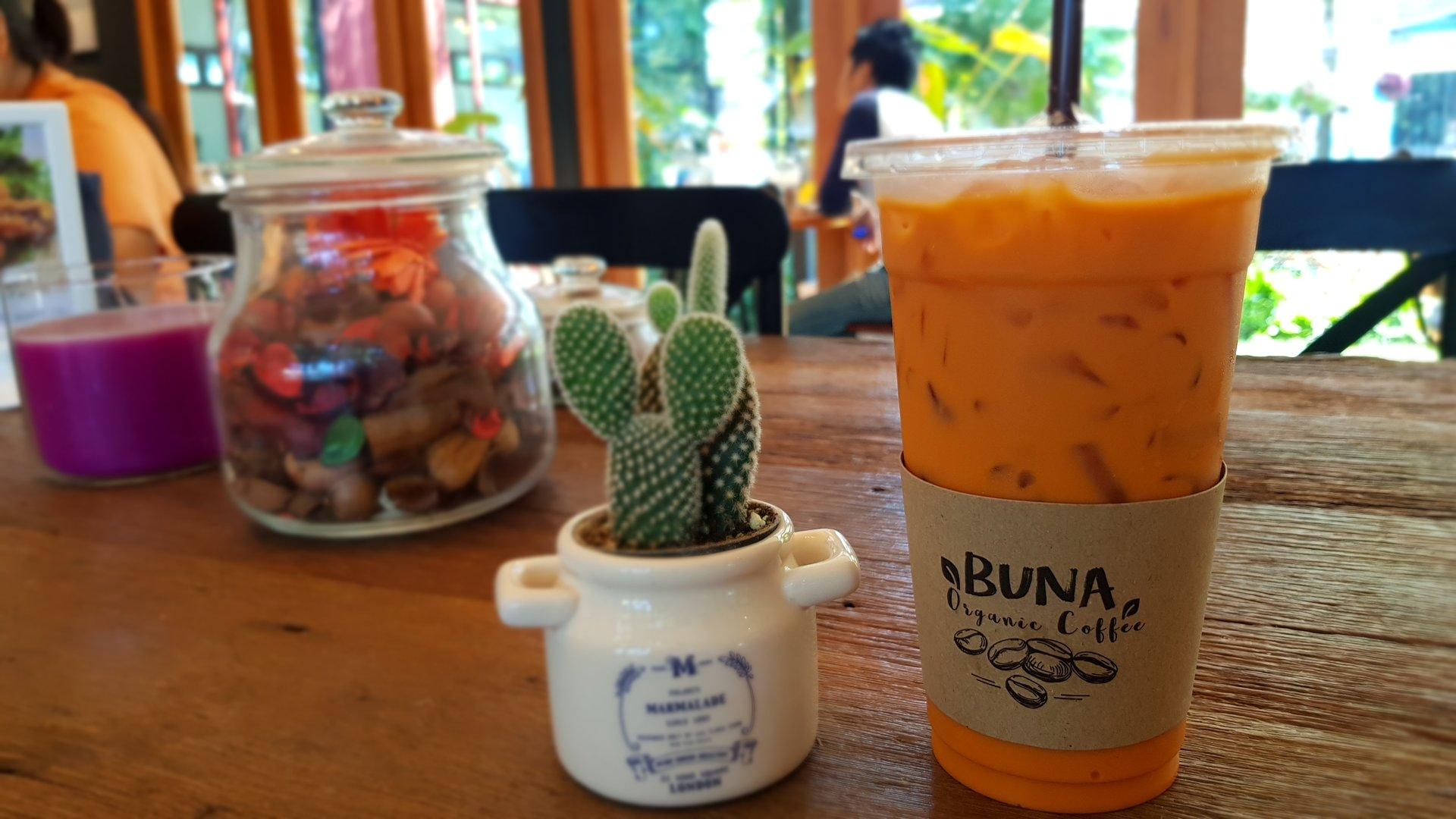 ชาไทยรสชาติเข้มข้น @ Buna Organic Coffee