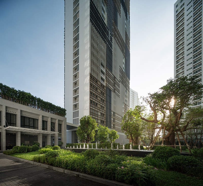 """Park 24"" Luxury Condo amidst a 10-rai green Oasis in the Heart of Sukhumvit"