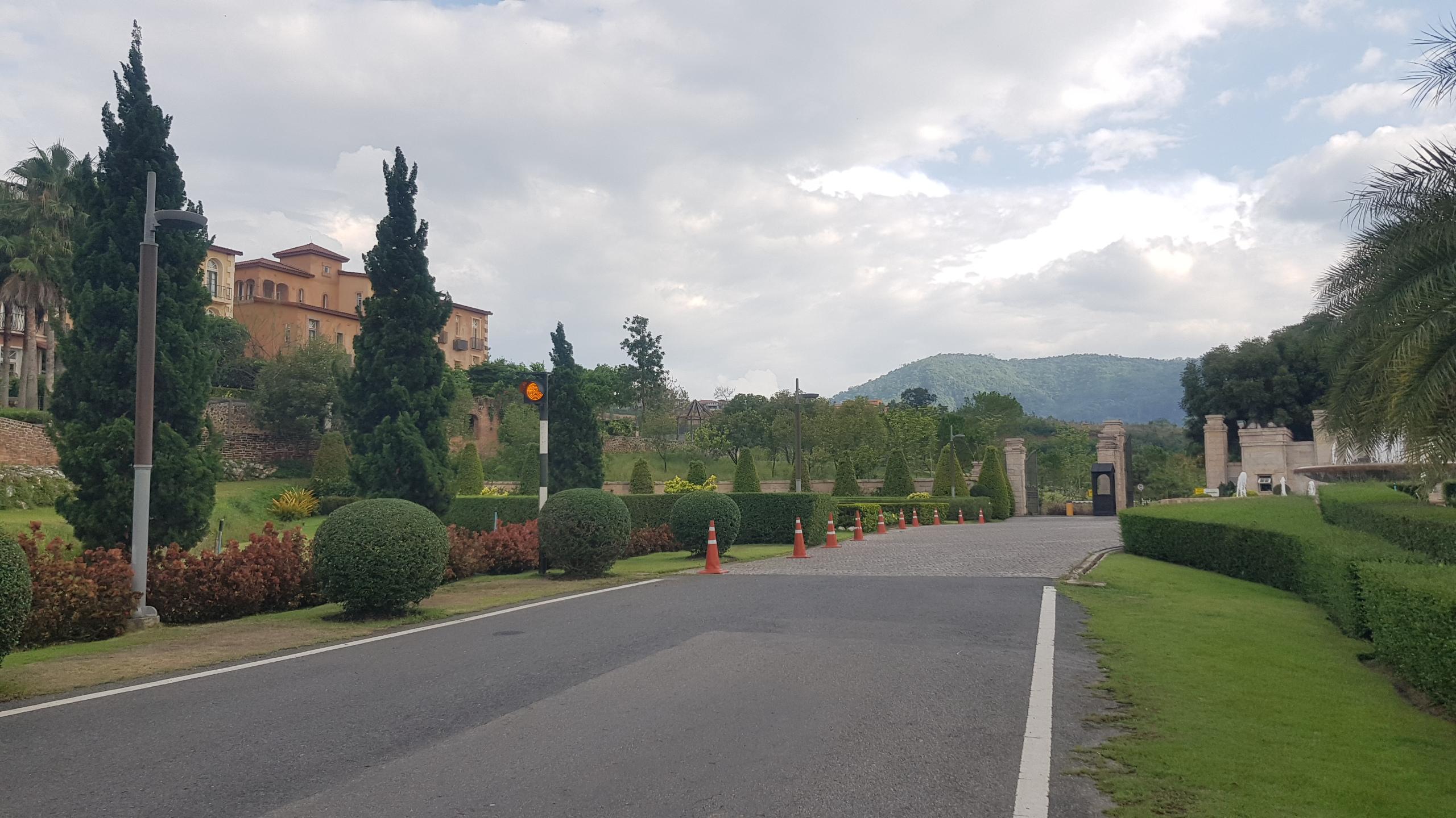 ทางเข้าโครงการ Toscana Valley เขาใหญ่