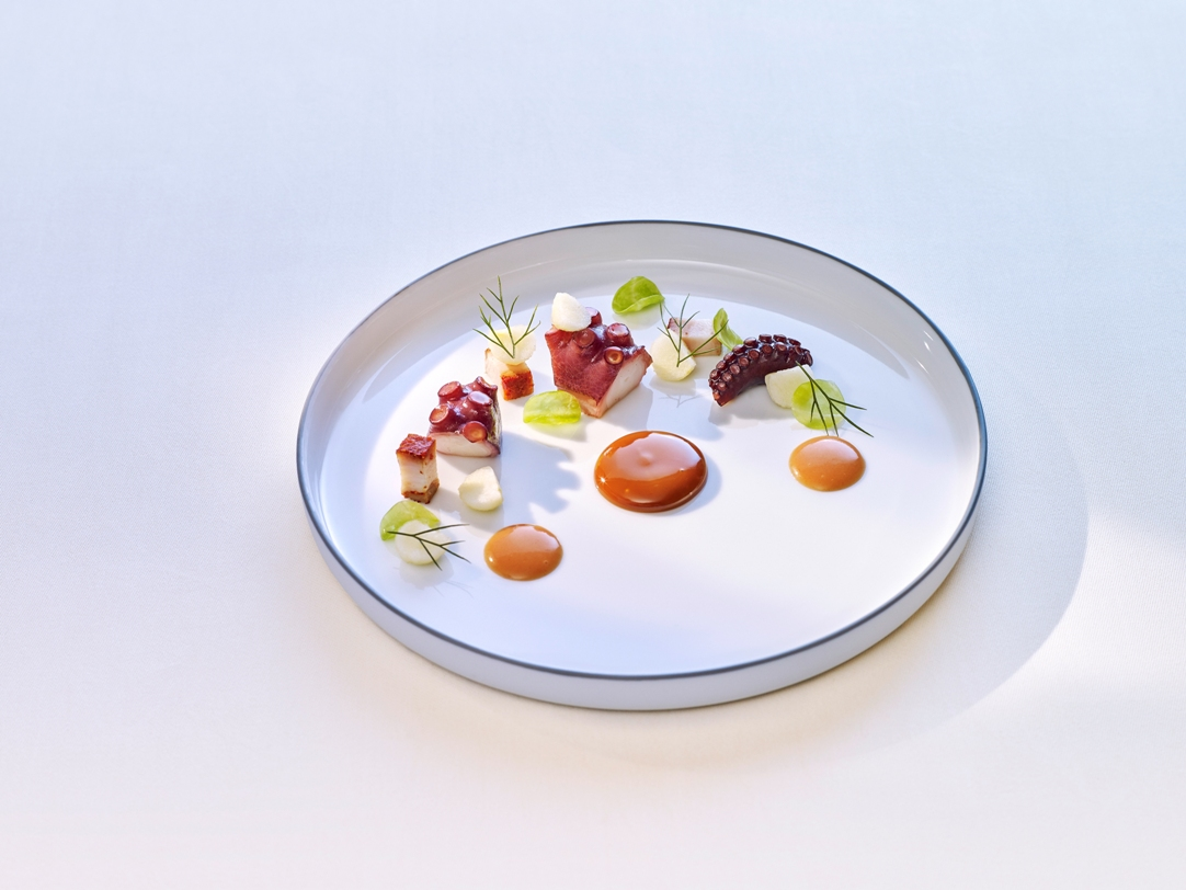 Truly First-Class Dining with      3-Michelin Star Chef Thomas Buhner