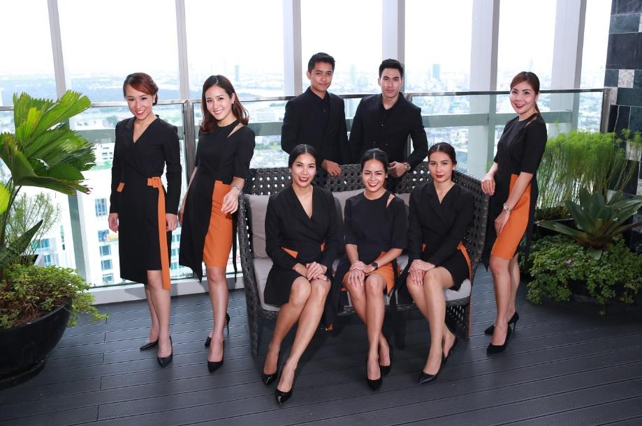 Fashion Set คอลเล็คชั่นชุดพนักงานขายใหม่ ณ สระว่ายน้ำ Cloud Pool ชั้น 50 (วิวโค้งแม่น้ำเจ้าพระยา) @ Park 24