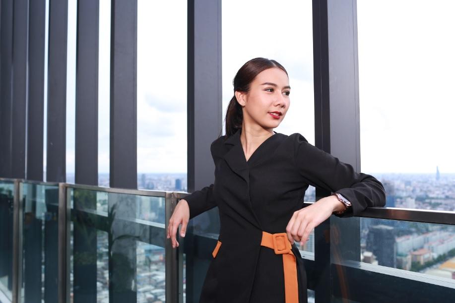Fashion Set คอลเล็คชั่นชุดพนักงานขายใหม่ ณ สระว่ายน้ำ Cloud Pool ชั้น 50 (วิวเมือง) @ Park 24
