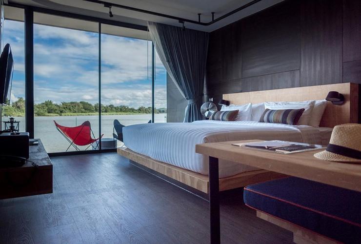 ครอสทูริเวอร์แควรีสอร์ต (X2 River Kwai Resort)