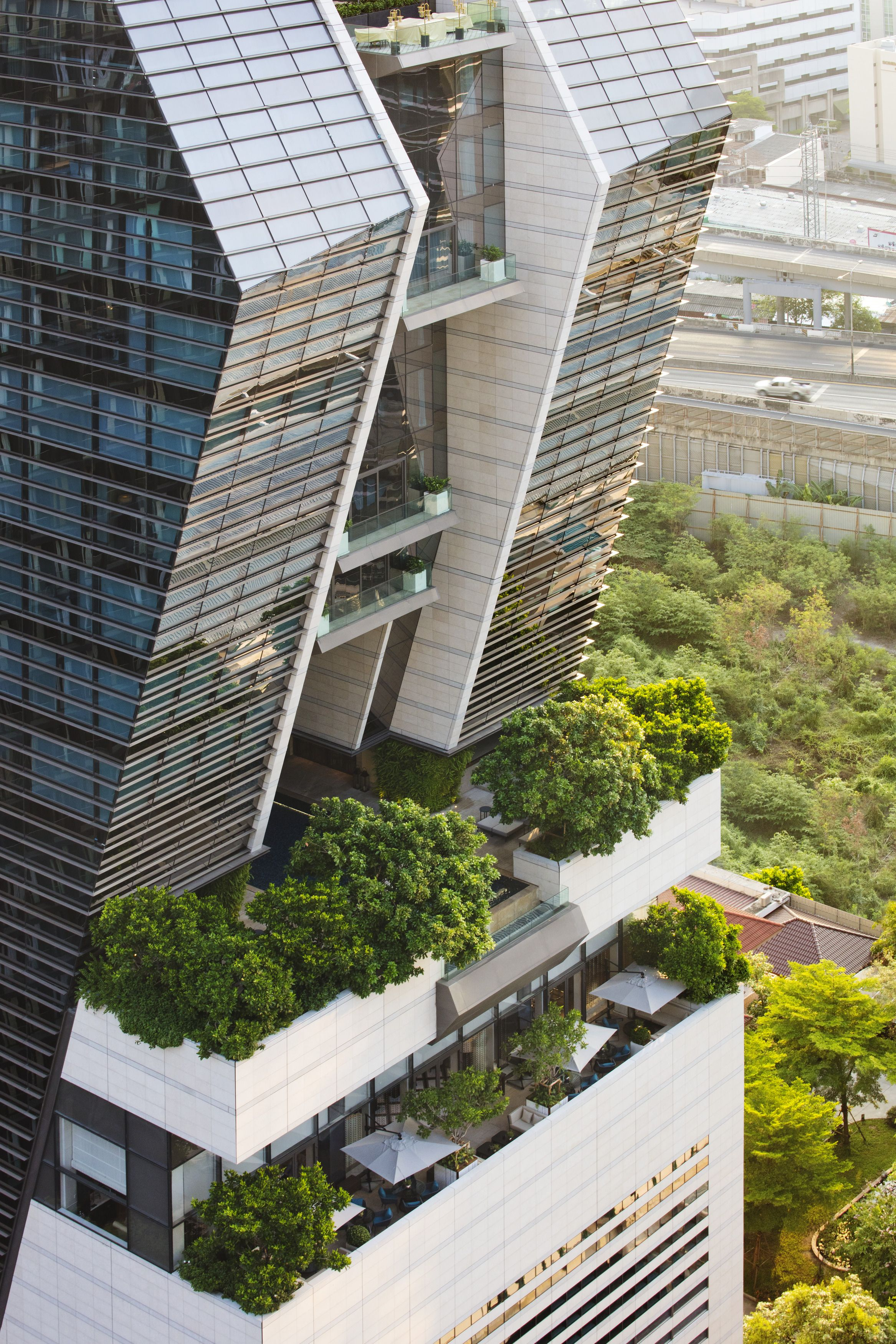 Rosewood Bangkok-Exterior2